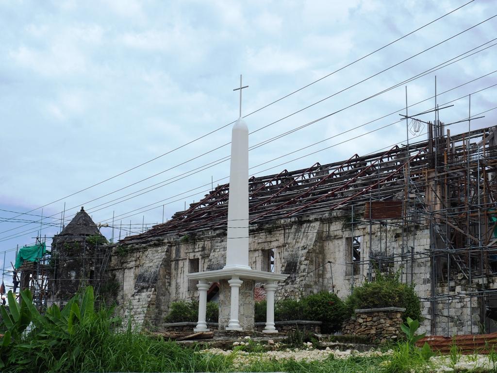 kościół św. piotra apostoła loboc